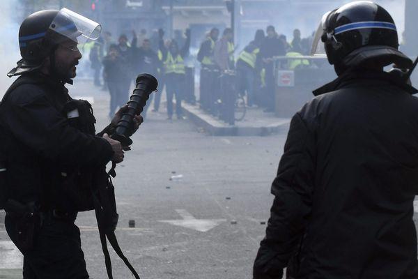48 policiers ont été blessés