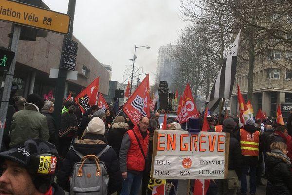Le départ de la manifestation esplanade Charles de Gaulle à Rennes