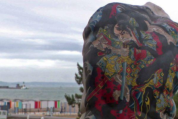 Au jardin de la villa maritime, des sculptures tatouées de l'artiste Fabio Viale