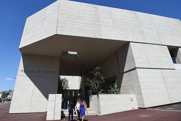 Le palais de justice de Béziers