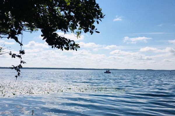 Quand il fait beau, partir aux premières du jour pour pêcher...