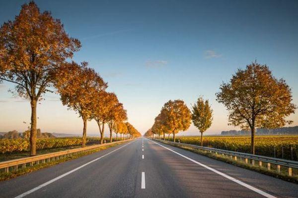 Le conseil départemental de la Gironde expérimente un procédé écologique à base de liant végétal pour l'entretien de ses nombreuses routes