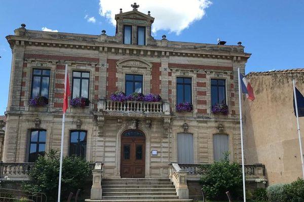 A Puisserguier, une commune de 3000 habitants, un personnel de mairie a été testé positif au covid -19 - juin 2020