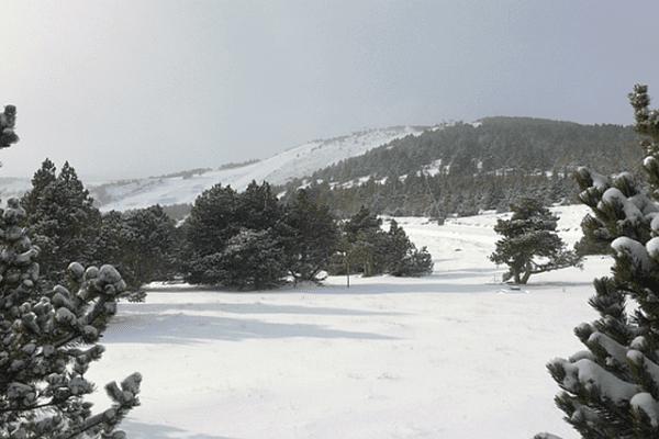Font-Romeu (Pyrénées-Orientales) - la neige sur la station - novembre 2015.