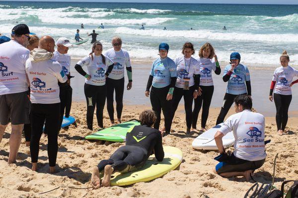 L'association See Surf initie à ce sport des non-voyants - Lacanau en Gironde le lundi 5 juillet 2021 -