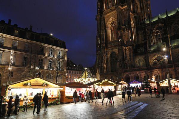 Pas de chalets au pied de la cathédrale de Strasbourg pour cette édition 2020 du marché de noël