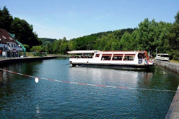 Demi-tour obligatoire pour les bateaux de part et d'autre du plan incliné d'Arzviller, jusqu'à la fin de l'année 2014, comme en 2013...