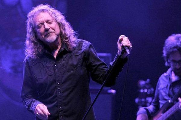 Robert Plant en concert avec son nouveau groupe, The Sensationnal Space Shifters, au Royal Albert Hall de Londres (31 octobre 2013)