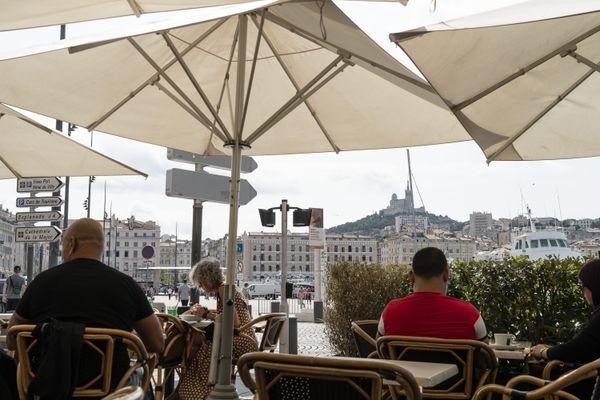 Les restrictions sanitaires et l'obligation de fermeture ne devrait concerner que les villes d'Aix-en-Provence et Marseille.