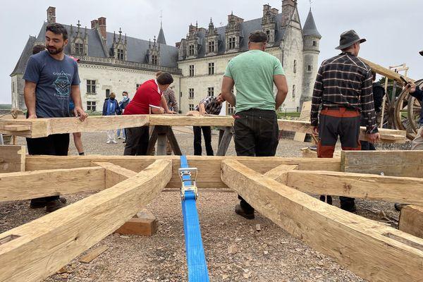 Le chantier de la chapelle Saint-Hubert au château d'Amboise.