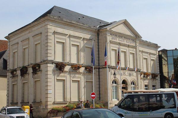 L'hôtel de ville de Cosne-Cours-sur-Loire, dans la Nièvre.