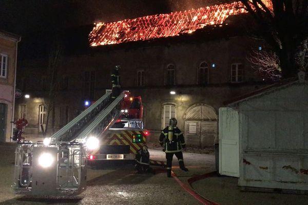 L'ancienne école Michelet a brûlé dans la nuit du 2 au 3 janvier 2018.