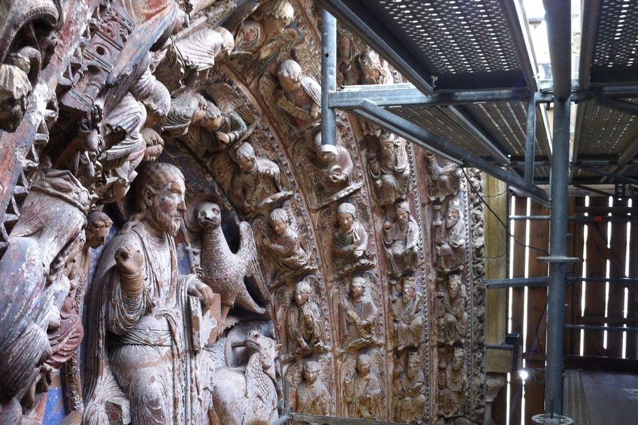 Angers : une galerie pour protéger le portail de la cathédrale, un architecte japonais aux manœuvres