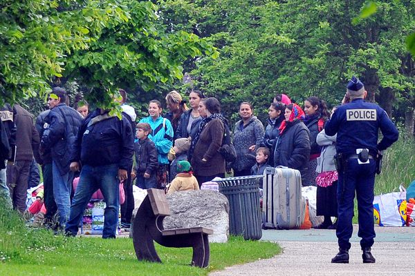 200 policiers ont été mobilisés pour l'évacuation du camp de Roms de la plaine Winston Churchill à Lille.