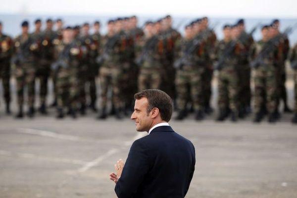 Emmanuel Macron lors d'une cérémonie en hommage au commando Kieffer à Colleville-Montgomery, le 6 juin 2019.