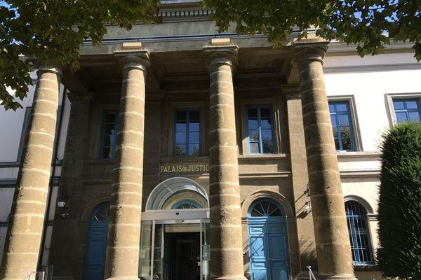 """Jeudi 25 février, un élu du conseil départemental de Haute-Loire était jugé au tribunal du Puy-en-Velay pour """"complicité de proxénétisme""""."""