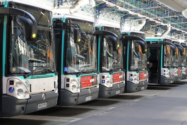 Image d'illustration - Des bus de la RATP stationnés dans un dépôt près de Paris.