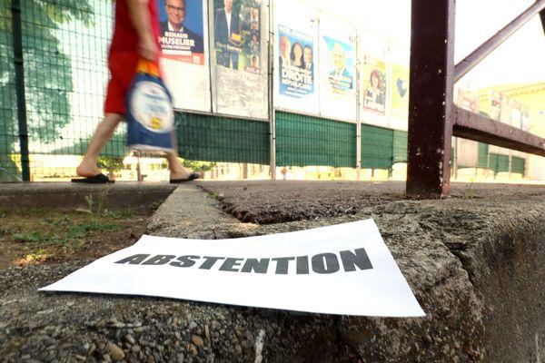 L'abstention progresse en France, tant au niveau national qu'au niveau local.