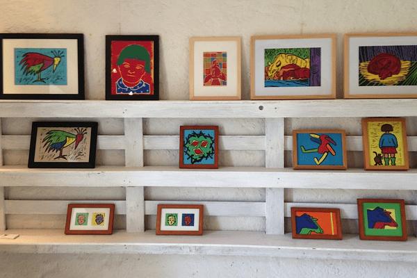 Certaines oeuvres d'art peuvent coûter jusqu'à 1000 euros.