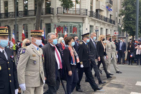 La maire de Lille Martine Aubry et le préfet du Nord Michel Lalande sont arrivés à 10h55, un peu avant la remise des légions d'honneur et ordres nationaux du mérite.