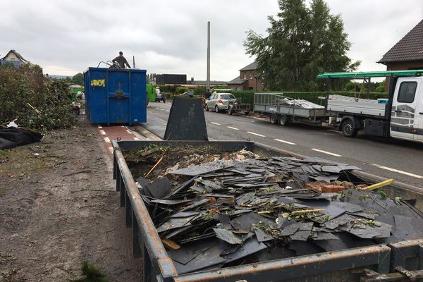 Des dizaines de toitures ont été arrachées à Beauraing, en Belgique, dans la nuit du 19 juin 2021