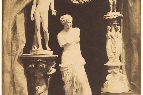 Photographie d'Hippolyte Bayard représentant des sculptures - 1850