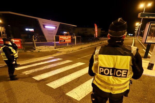 Contrôle de police lors du couvre-feu à Perpignan