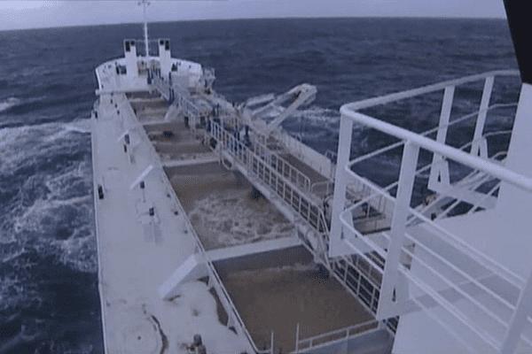 Le sable coquillier est extrait à l'aide de navires sabliers de ce type