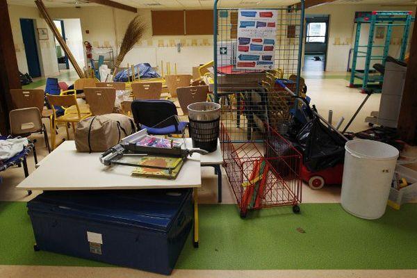 Une école de Valbonne, deux jours après l'inondation du 4 octobre.