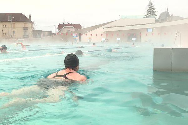 La piscine du Carrousel de Dijon attire un flot ininterrompu de nageurs