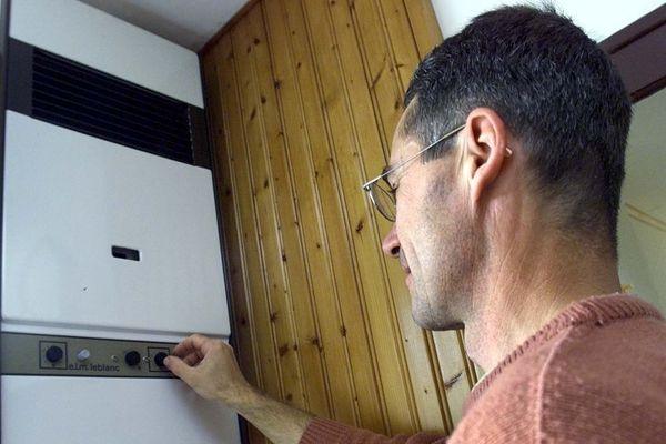 Afin d'éviter les risques liés au monoxyde de carbone, il est conseillé de faire entretenir sa chaudière par un professionnel qualifié.