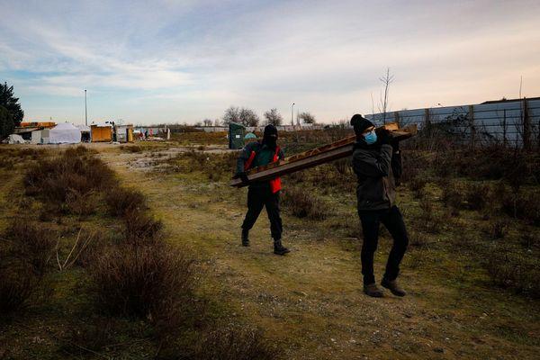 """Des militants de la """"Zone à Défendre"""" (ZAD) installés 17 jours au Triangle of Gonesse. Ils protestaient contre la construction de la future station de métro de la ligne 17 après l'abandon du projet EuropaCity."""