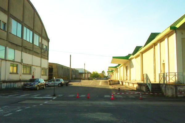 Des milliers de mètres carrés en plein Bergerac, une friche industrielle laissé par l'armée qui peu à peu retrouve vie