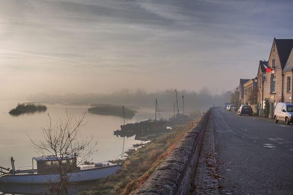 Un ancien village de mariniers qui s'étire le long de la Loire, entre Angers et Saumur.