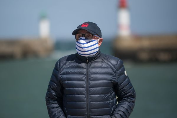 Dès à présent, le masque est obligatoire sur les marchés de vingt-cinq communes du Finistère, principalement le long du littoral, ainsi que dans les établissements accueillant du public clos sur les îles.