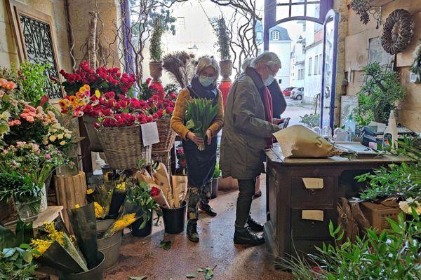 Les fleuristes tourangeaux ne savent pas où donner de la tête en ce dimanche 14 février.