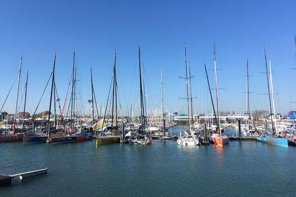 Ambiance étrange sur les pontons des Sables d'Olonne pour cette 9ème édition du Vendée Globe à quelques jours du départ