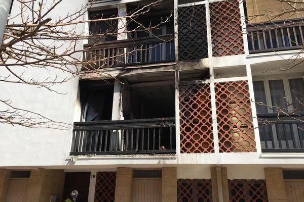 Les pompiers sont intervenus dans la nuit de samedi à dimanche dans cet immeuble du quartier du Moulin-à-Vent à Perpignan.