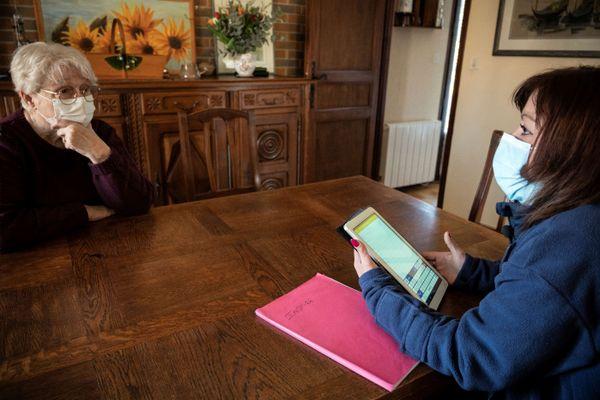 Depuis le premier mars, des facteurs et factrices se rendent chez des seniors des communes de Plaisance-du-Touch, Muret, Auterive, Tournefeuille et Léguevin pour détecter la perte d'autonomie.