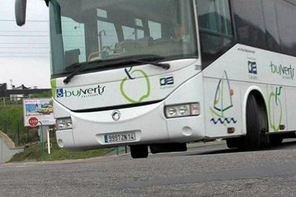 La conductrice du bus, choquée, a été hospitalisée. La victime est grièvement blessée.