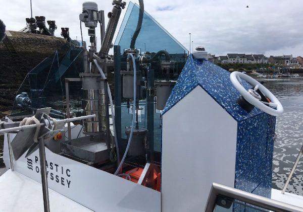 Les machines à bord d'Ulysse pour recycler les déchets plastiques