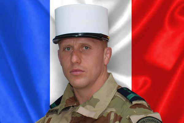Mercredi soir, le Caporal Bogusz Pochylski, du 2ème Régiment Etranger d'Infanterie de Nîmes , est décédé dans l cadre d'une opération d'entraînement au profit des forces de sécurité Irakiennes.
