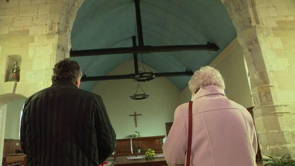 29 octobre 2020- L'archevêque de Rouen et la sœur du père Hamel dans l'église de Saint-Etienne du Rouvray (Seine-Maritime)