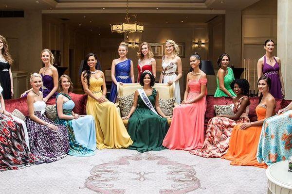 Les 15 ex-candidates au titre de Miss Picardie 2019.