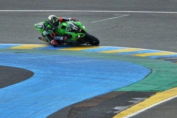L'Audois Matthieu Lagrive au guidon de la Kawasaki N.11, vainqueur des 24 Heures du Mans.