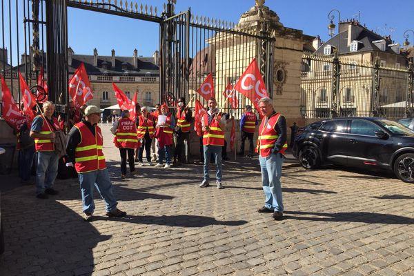 Certains manifestants ont été reçus par des élus de la mairie de Dijon.