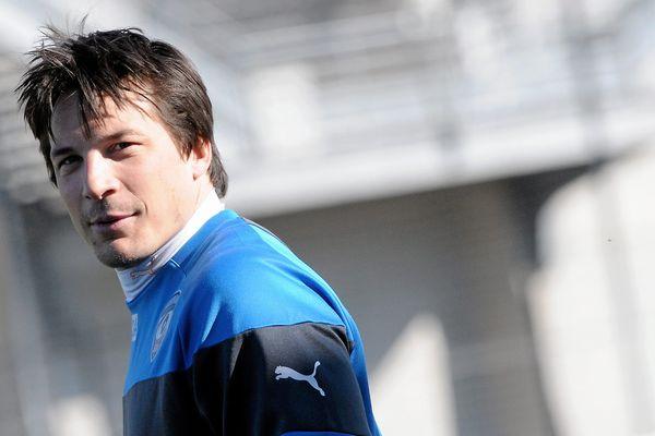 L'ouvreur François Trinh-Duc ne participera pas à la Coupe du monde (18 septembre - 31 octobre) avec le XV de France