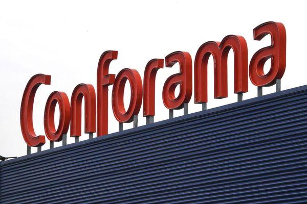 L'enseigne Conforama, déjà fragilisée avant l'épidémie de coronavirus, risque d'avoir du mal à surmonter la crise sanitaire.