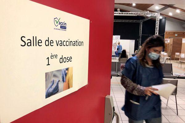En Corse, si les vaccinations continuent de se faire à un rythme soutenu, le Covid continue de faire des victimes.