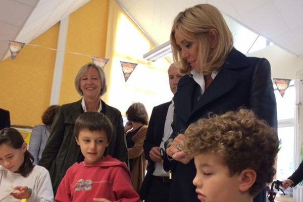 La première dame rend visite à l'association Loisirs Pluriel, à Nantes